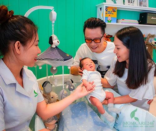 Hình ảnh dịch vụ tắm bé sơ sinh tại nhà