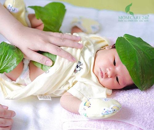 Dịch vụ tắm bé sơ sinh sau sinh