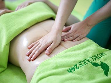 3) Massage bụng Y khoa đào thải sản dịch, co hồi tử cung