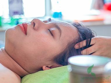 8) Gội đầu thảo mộc bồ kết, phục hồi dưỡng tóc, điều trị rụng tóc sau sinh