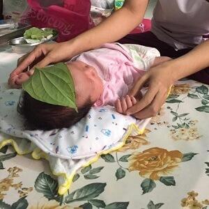 Mẹ Mỹ Vưu sử dụng dịch vụ Massage và Tắm bé