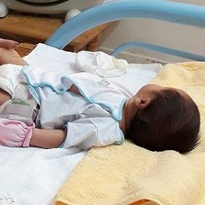 Chị Phương sử dụng dịch vụ Tắm bé tại nhà