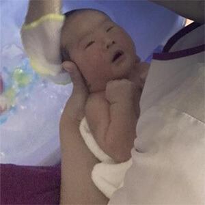 Chị Vân sử dụng dịch vụ Massage và Tắm Bé