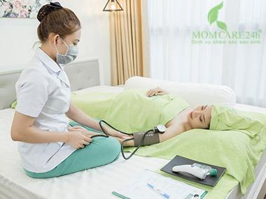 1) Đánh giá tổng quan sức khỏe của mẹ Bầu